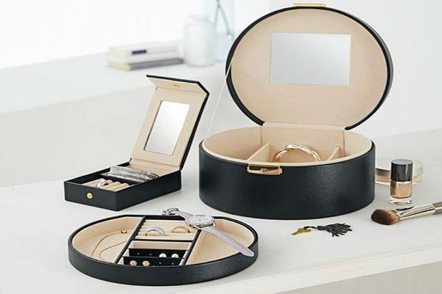 HIT w kobiecych sypialniach - szkatułki i organizery na biżuterię