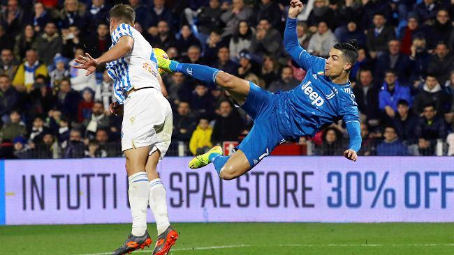 """Czy koronawirus """"wymaże"""" efekt Ronaldo? Zdesperowany Juventus nie odda pieniędzy kibicom za bilety"""