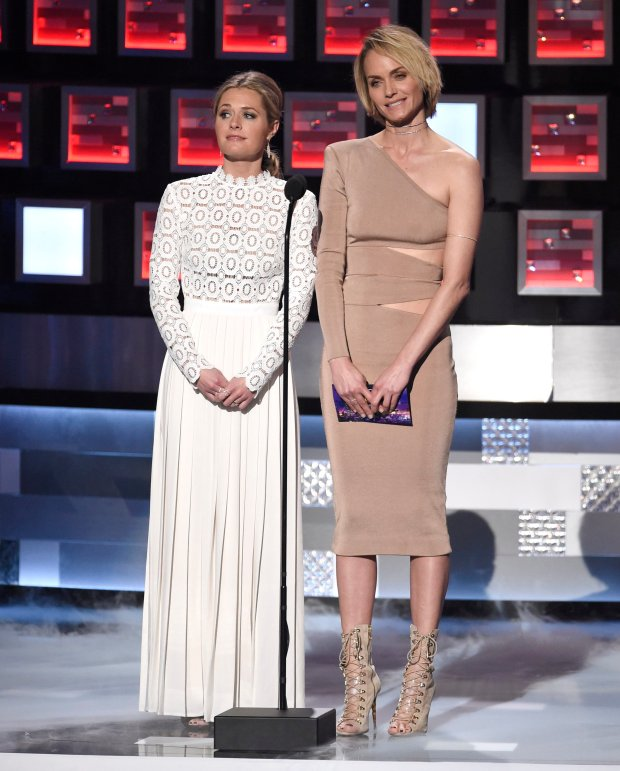 2016 People's Choice Awards - Show