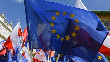 Europosłowie Platformy Obywatelskiej. Ilu ich jest? Do której frakcji europejskiej należą?