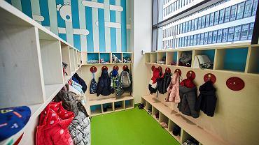 Norwegowie  otworzyli przedszkola. Na początku tego tygodnia do szkół wrócili, po sześciu tygodniach nauki zdalnej, uczniowie w wieku od sześciu do dziesięciu lat