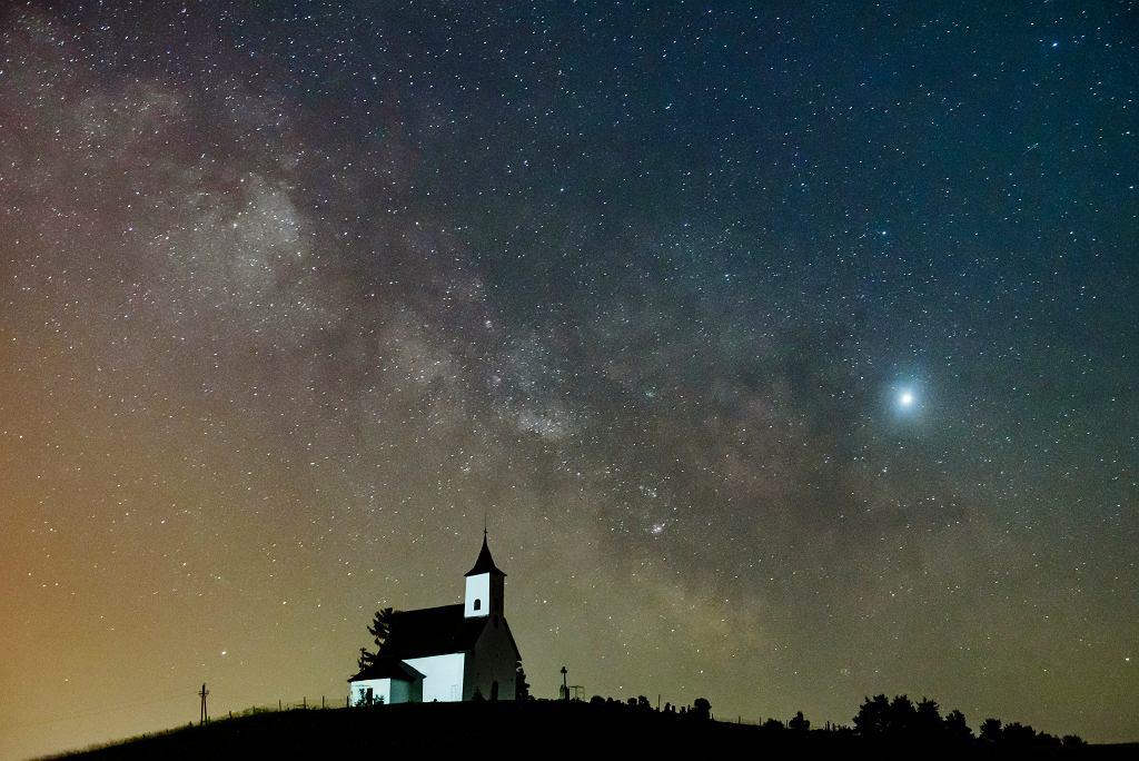Jowisz. Idealne warunki do obserwacji w czerwcu