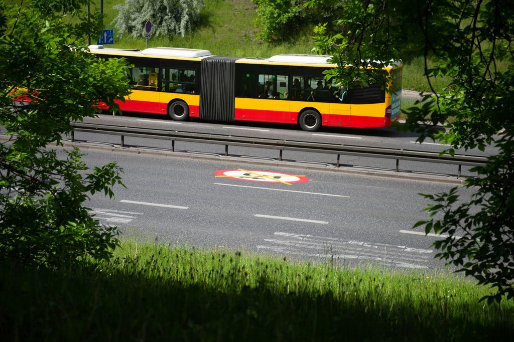Ograniczenie do 40 km/h na Trasie Łazienkowskiej w Warszawie