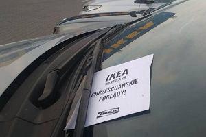 Narodowcy rozrzucają ulotki na parkingach Ikei. I namawiają do jej bojkotu