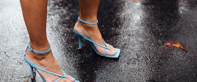 Sandały na szpilce: 18 modeli, które wyczarują efekt wow! Eleganckie i mega kobiece