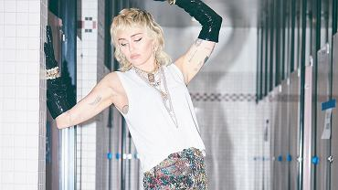 Miley Cyrus w mullet pixie