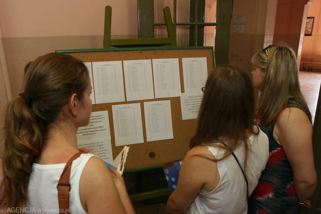 Tysiące uczniów w całej Polsce nie dostało się do żadnej z wybranych szkół podczas pierwszego etapu rekrutacji. Zdjęcie ilustracyjne