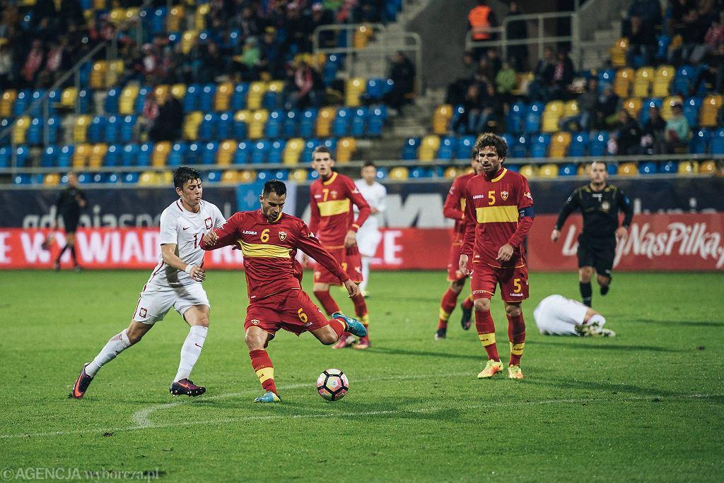 Polska - Czarnogóra 6:0 w meczu reprezentacji do lat 21. Z lewej Dawid Kownacki
