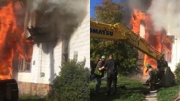 Koparka ratuje mężczyznę z pożaru