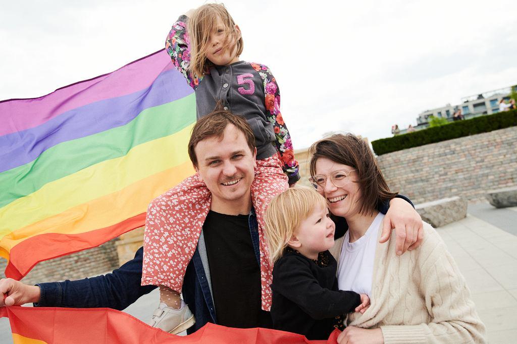 'Gdzie po flagi?' - spot Kampanii Przeciw Homofobii