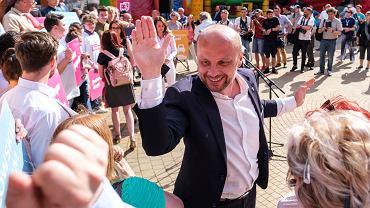 Kandydat na prezydenta Rzeszowa Konrad Fijołek.