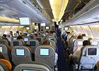 """Pilot dzieli się trikiem, który może zapewnić bezpieczeństwo w samolocie. """"Zawsze liczę, ile jest rzędów foteli"""""""