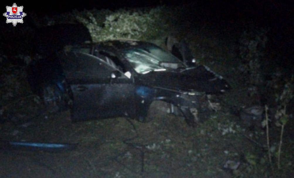 Łuków. Mechanik roztrzaskał drogocenne auto swojej klientki/fot. KPP Łuków