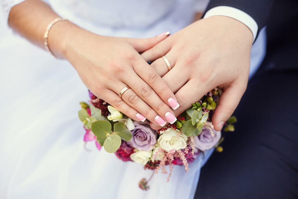 Białe małżeństwo może powstać z różnych przyczyn. Zdjęcie ilustracyjne