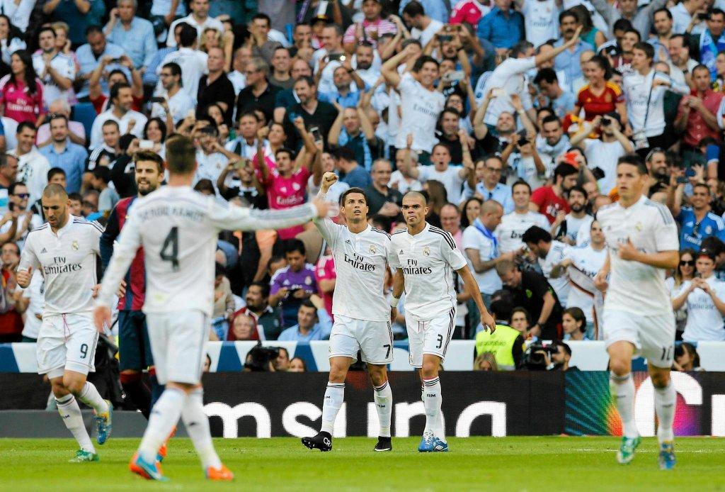 Real - Barcelona 3:1. Radość po golu C. Ronaldo