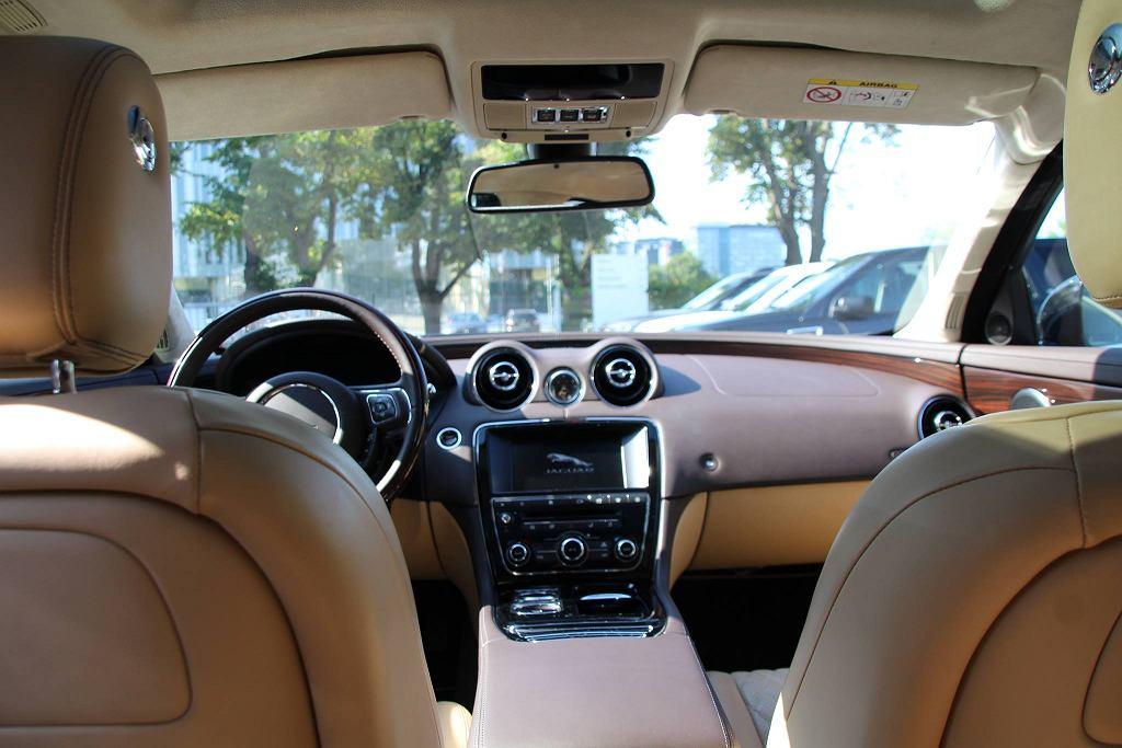Jaguar XJ księcia Williama i księżnej Kate