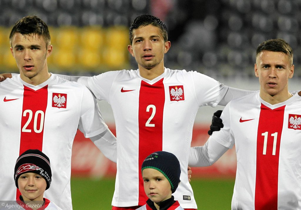 Jonatan Straus (w środku) w barwach reprezentacji Polski U-20.