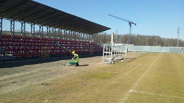 Sprawdzanie warunków rozgrywania meczów na stadionie przy al. Unii