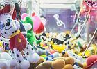 Dziecko uwięzione w maszynie z zabawkami. Na pomoc przyszli strażacy