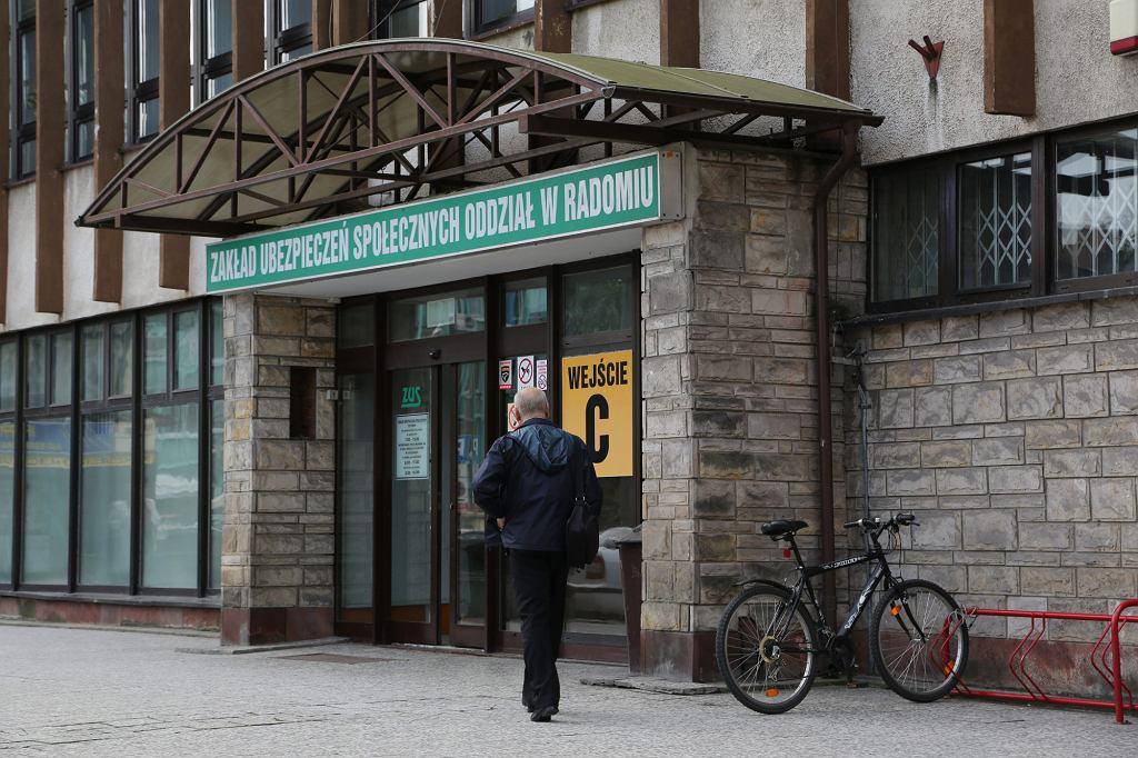 Zakład Ubezpieczeń Społecznych w Radoimiu (fot. Anna Jarecka / Agencja Gazeta)
