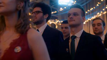 Uczniowie I SLO zatańczyli poloneza równości