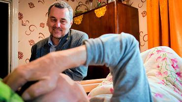 Doktor Paweł Grabowski i jego Fundacja Hospicjum Proroka Eliasza chcą wybudować hospicjum stacjonarne w Makówce. Pomoc w zbiórce funduszy jest celem Choinki Darczyńców 2019