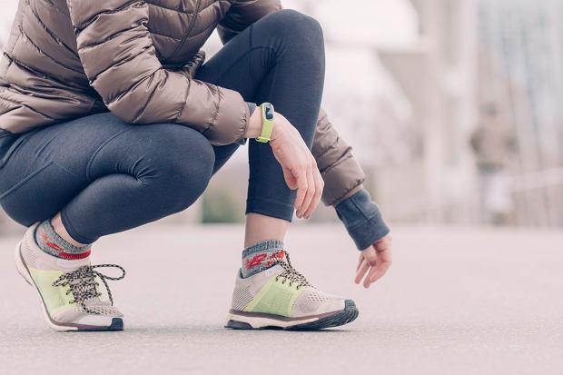 Buty sportowe idealne na jesienne wycieczki piesze lub rowerowe