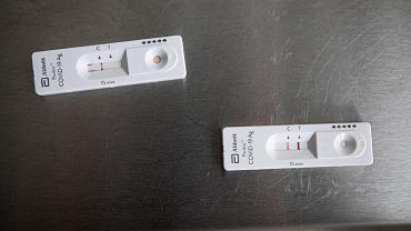 Koronawirus. Wielka Brytania od poniedziałku będzie wymagać negatywnego testu na koronawirusa