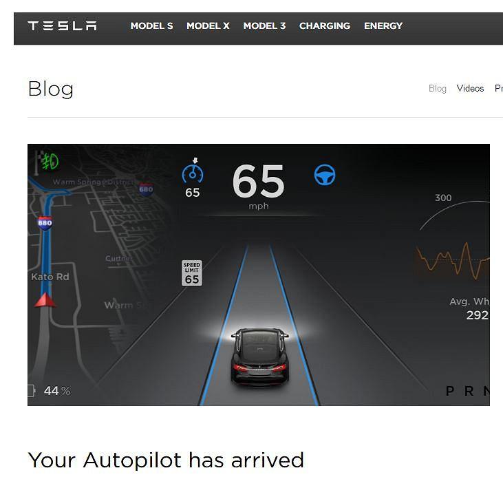 Tesla reklamuje swój samochód
