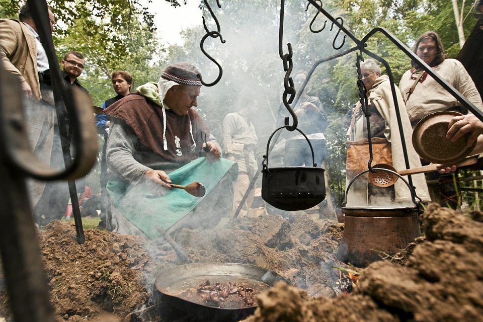 Kuchnia Słowian Sprzed Ponad Tysiąca Lat Tłókno Bryje I