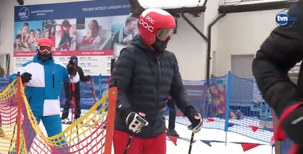 Andrzej Duda wybrał się na narty. Warunki na stoku? 'Złe... Jak widać'