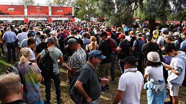 Tłum przed wejściem na tor F1. Sergio Martinez Twitter.com/123pnz