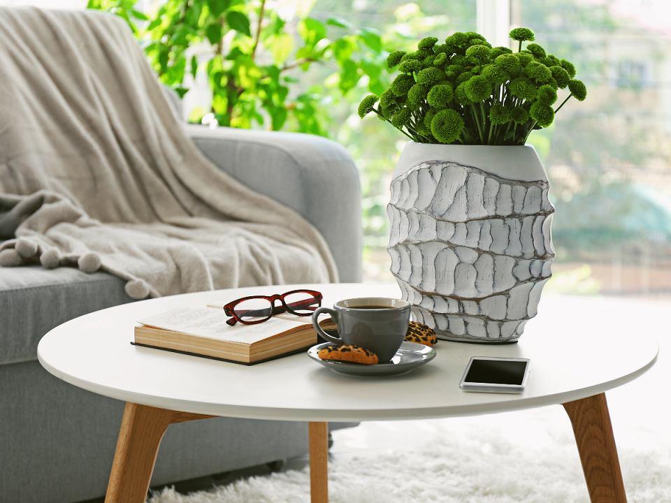 Stolik kawowy w biurze