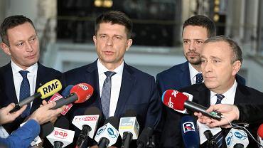 Listopad 2017 r. Wspólna konferencja PO i Nowoczesnej ws. kandydatów na prezydenta Warszawy, na zdjęciu od lewej: Paweł Rabiej, Ryszard Petru, Rafał Trzaskowski i Grzegorz Schetyna.