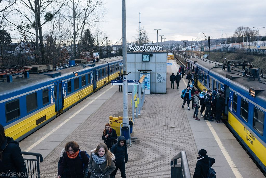 Turyści z zagranicy, którzy podróżowali SKM po Trójmieście, dostali mandat, bo nie wiedzieli, że bilet należy skasować. Mieli prawo do niewiedzy
