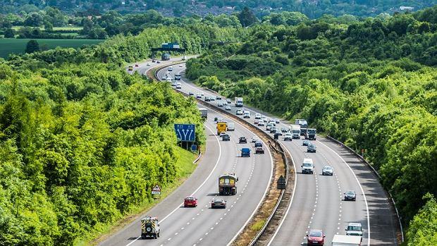 Koronawirusowe rozpasanie na drogach. Kierowcy jeżdżą szybciej