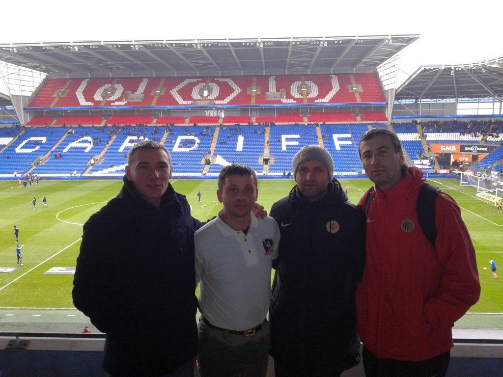 Trenerzy Akademii Piłkarskiej KGHM Zagłębie Witold Lis, Piotr Błauciak i Marek Sinkiewicz mieli okazję zobaczyć mecz Cardiff City w towarzystwie Dawida Kowalskiego, pracującego dla angielskiej Premier League.