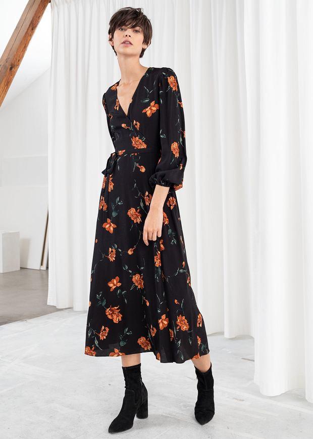 Czarna sukienka w kwiaty &Other Stories