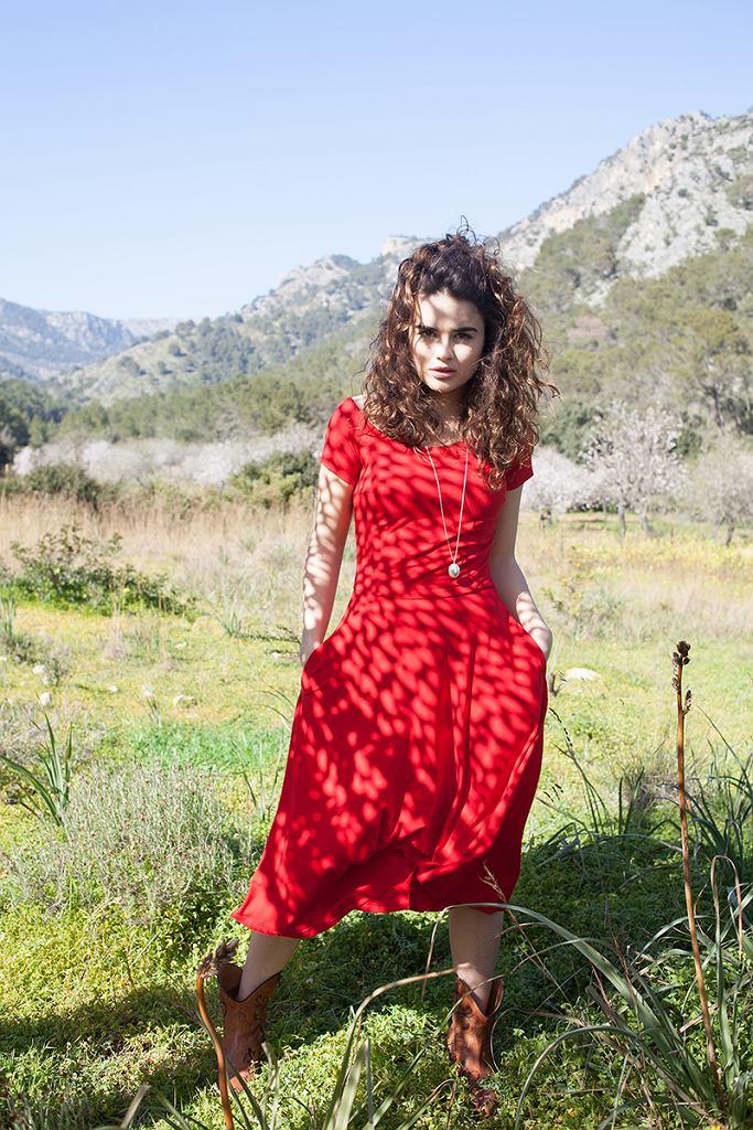 Sukienka z okrągłym dekoltem