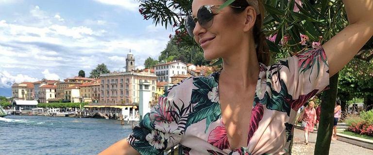 Paulina Sykut-Jeżyna nad morzem odsłania zgrabne nogi: Słoneczny patrol