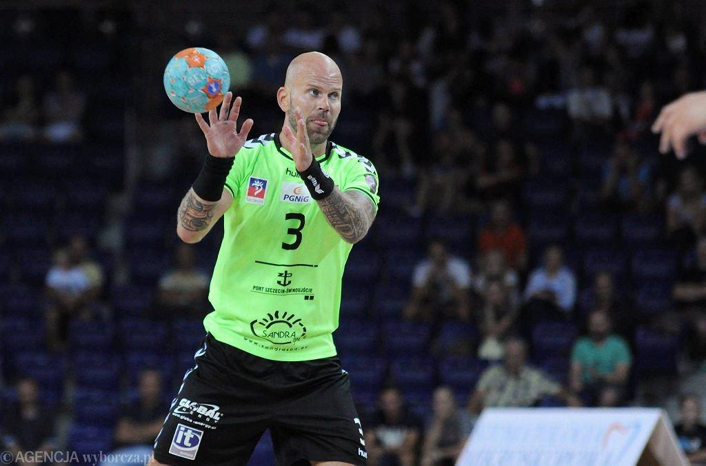 Michal Bruna z Pogoni Handball Szczecin