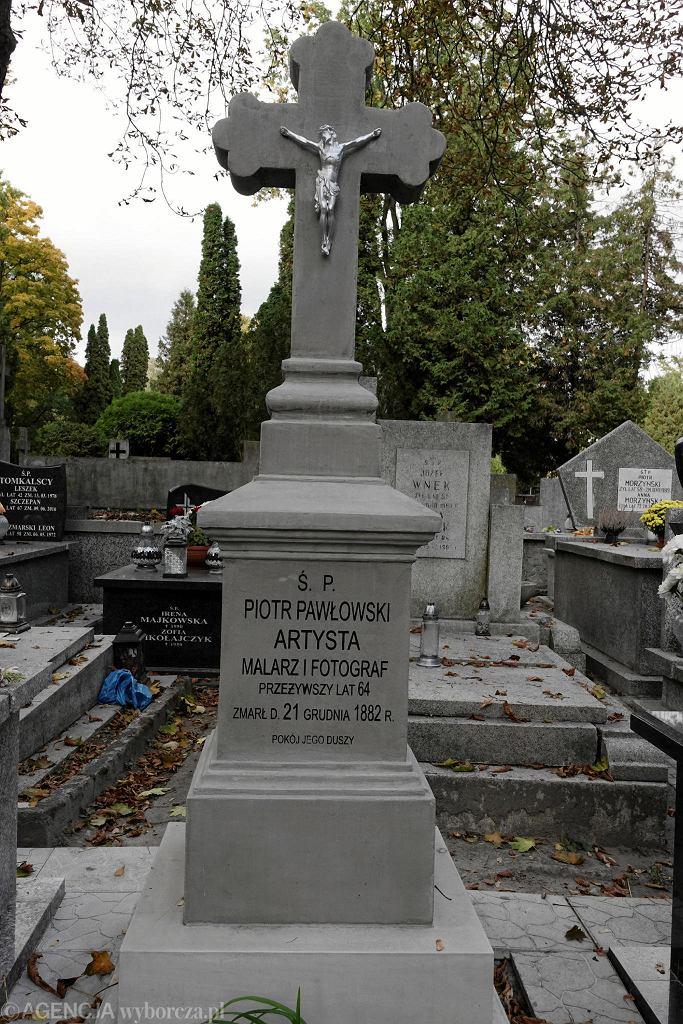 Nagrobek Piotra Pawłowskiego, odnowiony w ramach akcji 'Ratujmy Płockie Powązki'