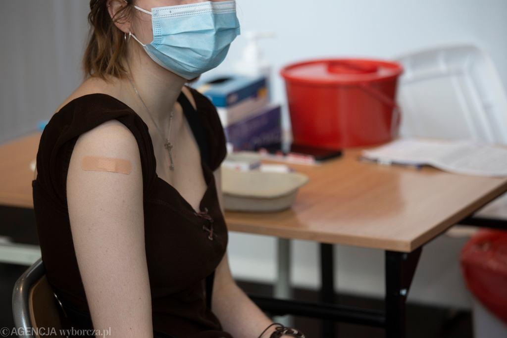 Szczepienia przeciw COVID-19 - zdjęcie ilustracyjne