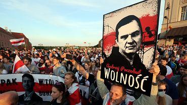 Pikieta solidarności z Białorusinami w Warszawie, Plac Zamkowy, 3 czerwca 2021 r.