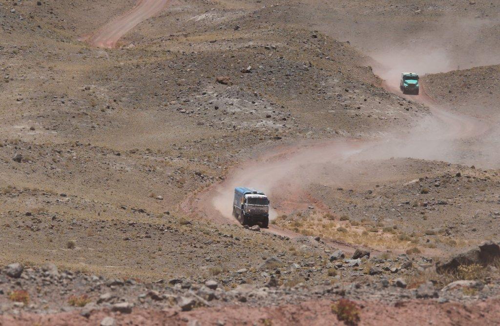 Załoga Gerarda de Rooy'a (z tyłu) zajęła drugą pozycję w Rajdzie Dakar 2014