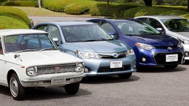 Toyota Corolla z 1966 roku i najnowsze generacje modelu w wersji japońskiej, amerykańskiej i europejskiej