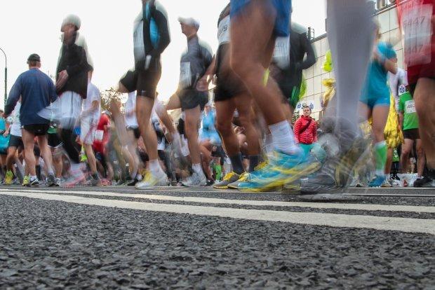 """Maraton w Amsterdamie: Wymyśl hasło na pokonanie """"ściany"""" i wygraj biegowe gadżety! [KONKURS]"""