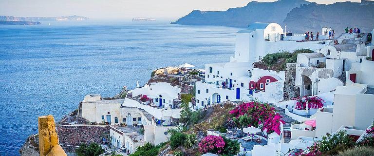 Obostrzenia w Grecji: Zakaz muzyki i limit na plaży