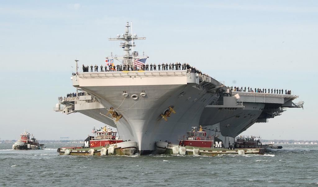 Samobójstwa wśród załogi amerykańskiego lotniskowca. Nie żyje pięć osób/ USS George H. W. Bush