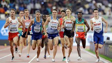 Marcin Lewandowski (z lewej) na finiszu 1500 m
